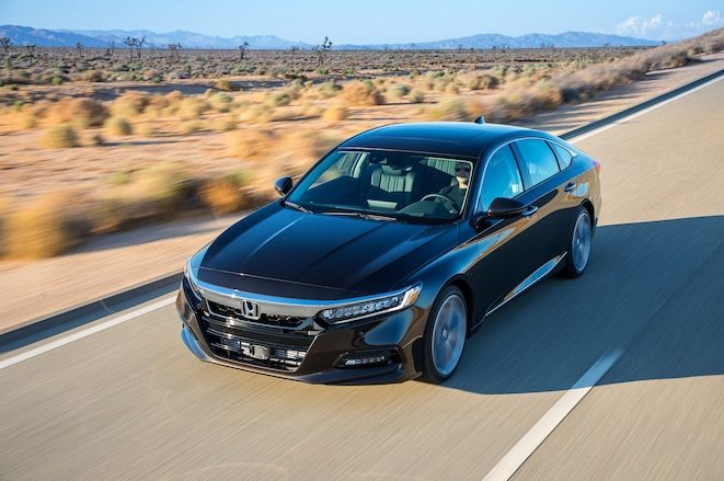 2018-Honda-Accord-2-0-front-three-quarter-in-motion-04