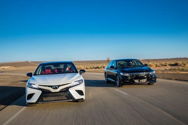 2018-Toyota-Camry-XSE-2018-Honda-Accord-2-0T-22
